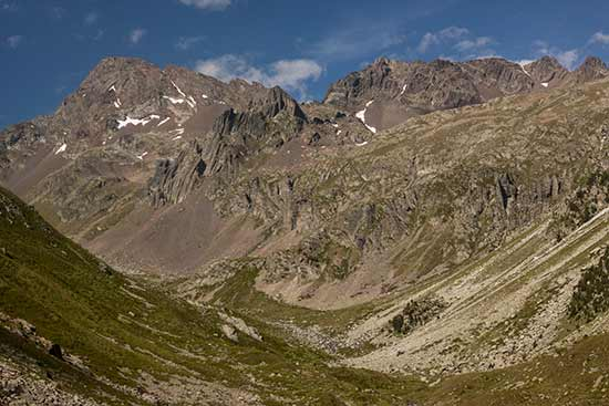 vers-lac-de-cestrede-montagne