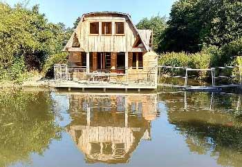 cabane-dans-les-arbres-en-famille-normandie